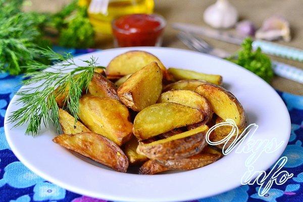 Деревенский картофель на сковороде