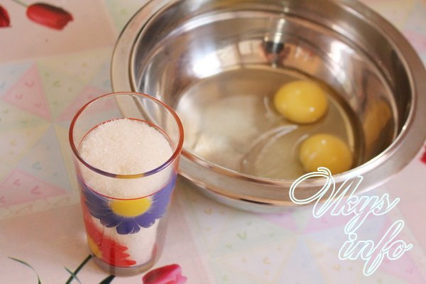 соедините яйца