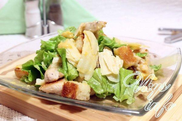 Рецепт классического цезаря с курицей и сухариками