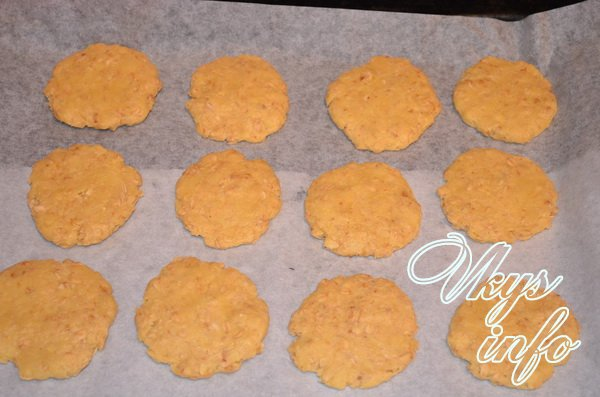 печем овсянное печенье