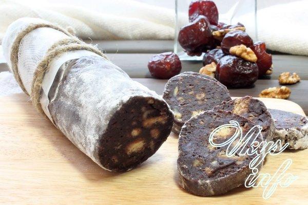 колбаска шоколадная из печенья с орехами рецепт с фото