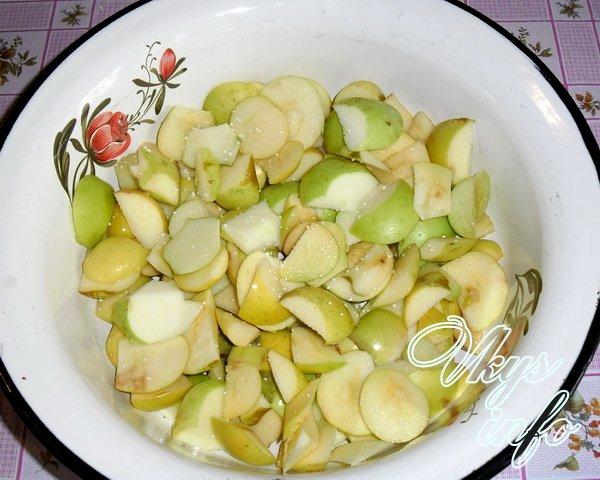 яблоки разрезали