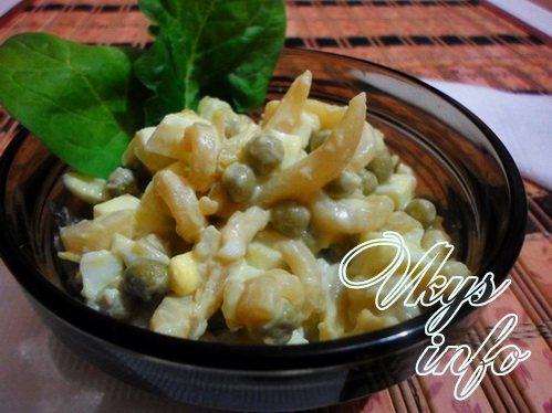 рецепт салата с кальмарами и горошком фото