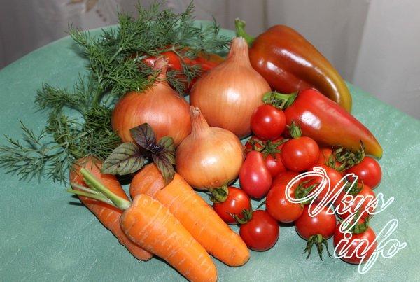 Салат на зиму из помидор, перца и морковки фото ингредиенты