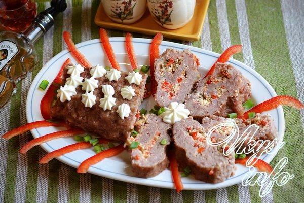 Рулет мясной с черносливом: рецепт в духовке с фото
