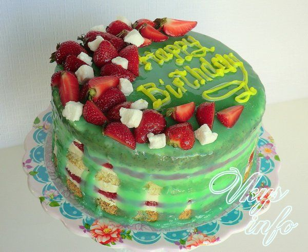 рецепт Бисквитный торт с клубникой - 3 рецепта