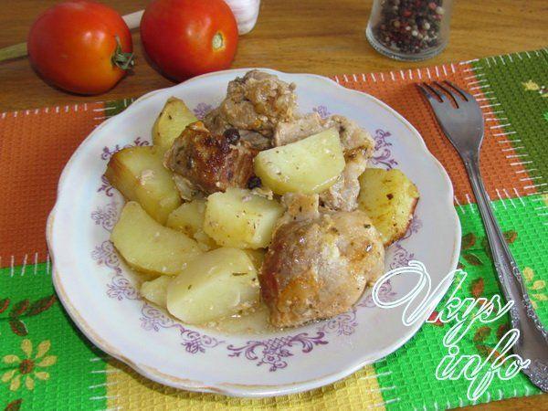 Свинина с картошкой и морковкой в духовке рецепт