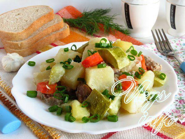 Рагу из курицы с картошкой и кабачками в духовке