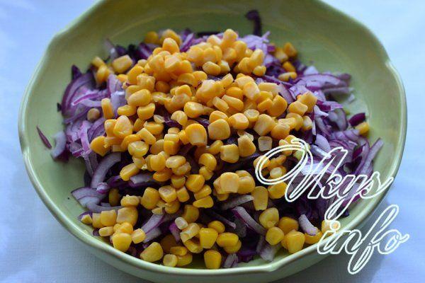 salat iz krasnokochannoj kapusty s kukuruzoj 7