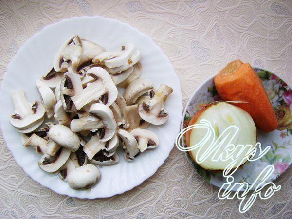 Бефстроганов с грибами и сметаной – рецепт с фото