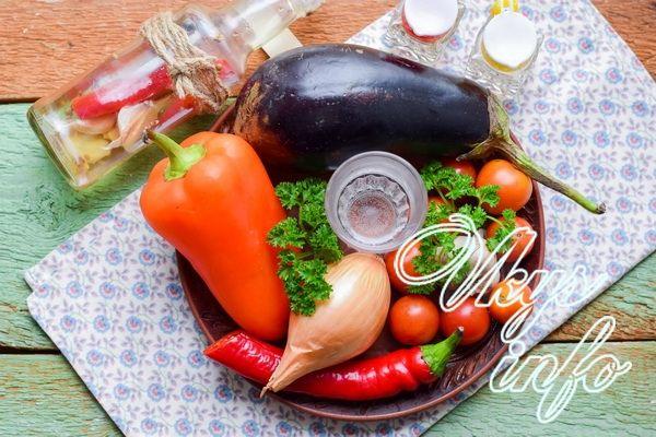 Маринованные баклажаны с помидорами и перцем чили — 5