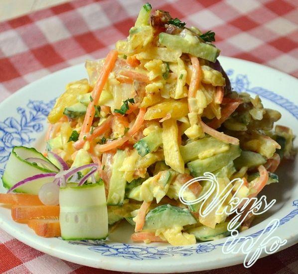 Салат с морским коктейлем и кукурузой рецепт
