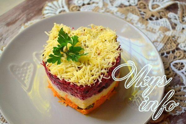 Салат из свеклы с черносливом и изюмом