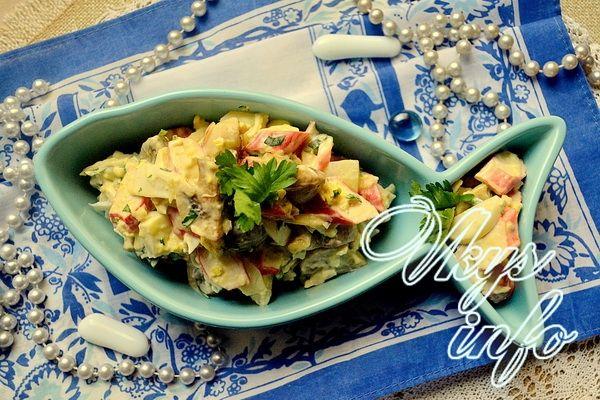 салат с грибами и крабовыми палочками кукурузой