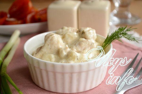 рецепт курицы в сметанном соусе на сковороде