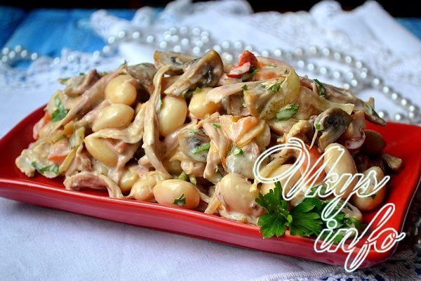 рецепт салат с шампиньонами и куриной грудкой