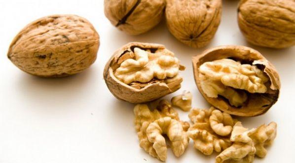 Как правильно хранить очищенные грецкие орехи