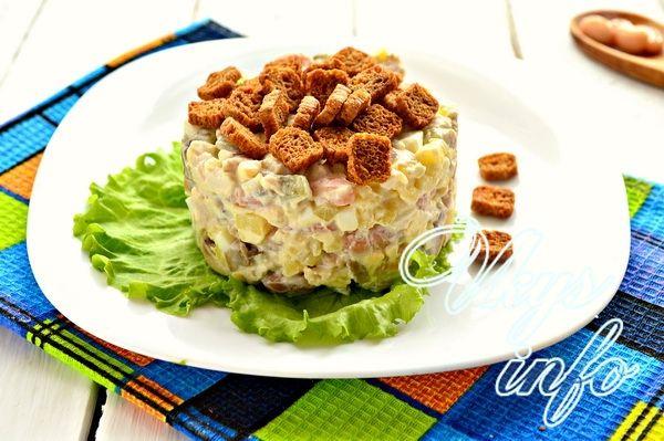 Салат с шампиньонами консервированными и курицей