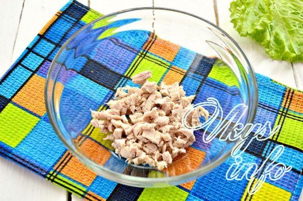 salat s kuricej gribami i fasol 2