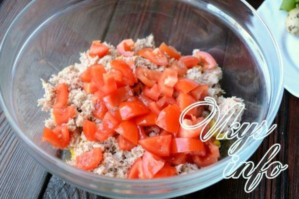 salat s tuncom i pomidorami 7