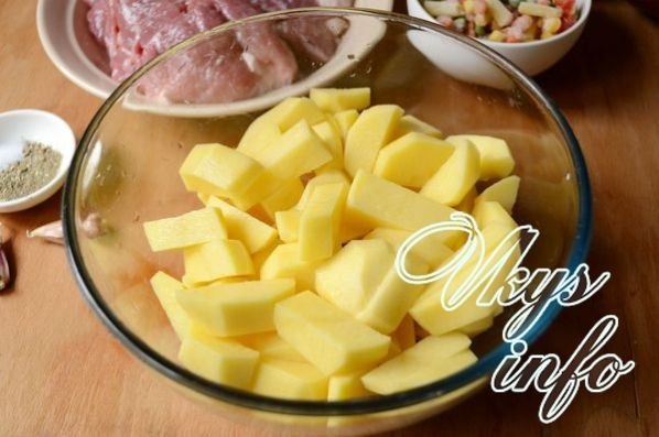 мясо с картошкой в духовке в рукаве рецепт с фото из свинины