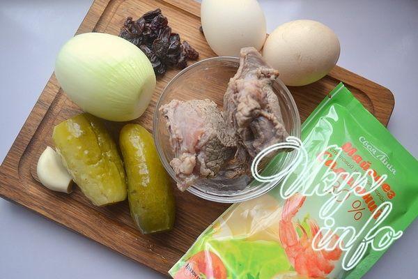 Салат з відвареної яловичиною