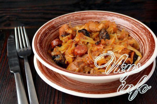рецепт Бигус из свежей и квашеной капусты