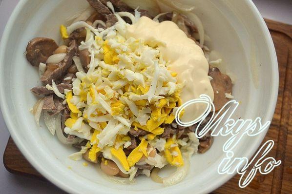 рецепт салата с говядиной и грибами огурцами