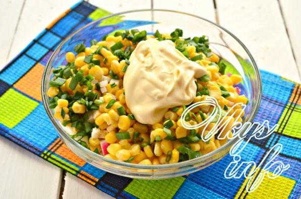 klassik salat iz krabovyh palochek s risom 7