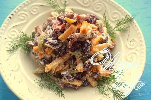 salat krasnajа fasol kolbasa suhariki 11