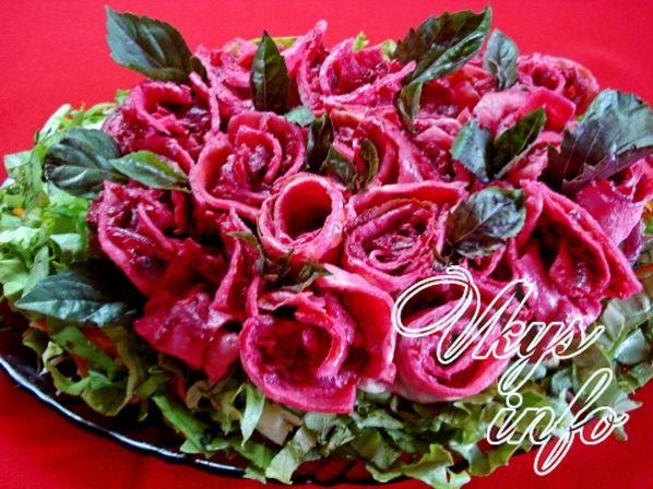 salat buket roz iz svekly s blinami 24