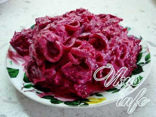 salat buket roz iz svekly s blinami 5