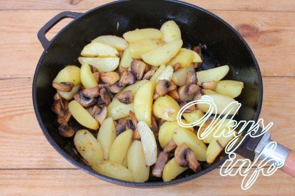 Жареная картошка с шампиньонами на сковороде рецепт с фото