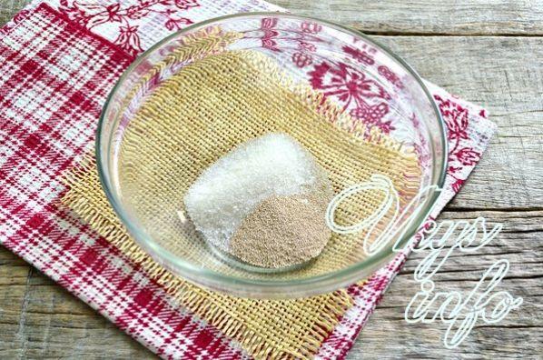 Как приготовить тесто для оладий на кефире с дрожжами