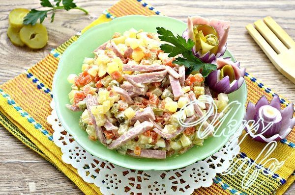 салатики с солёными огурцами