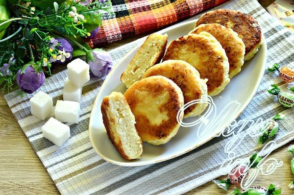 Домашние сырники с ванильным сахаром - рецепт пошаговый с фото