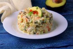 Салат «Оливье» с авокадо