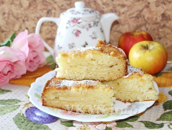 рецепт Заливной пирог с яблоками (на кефире)